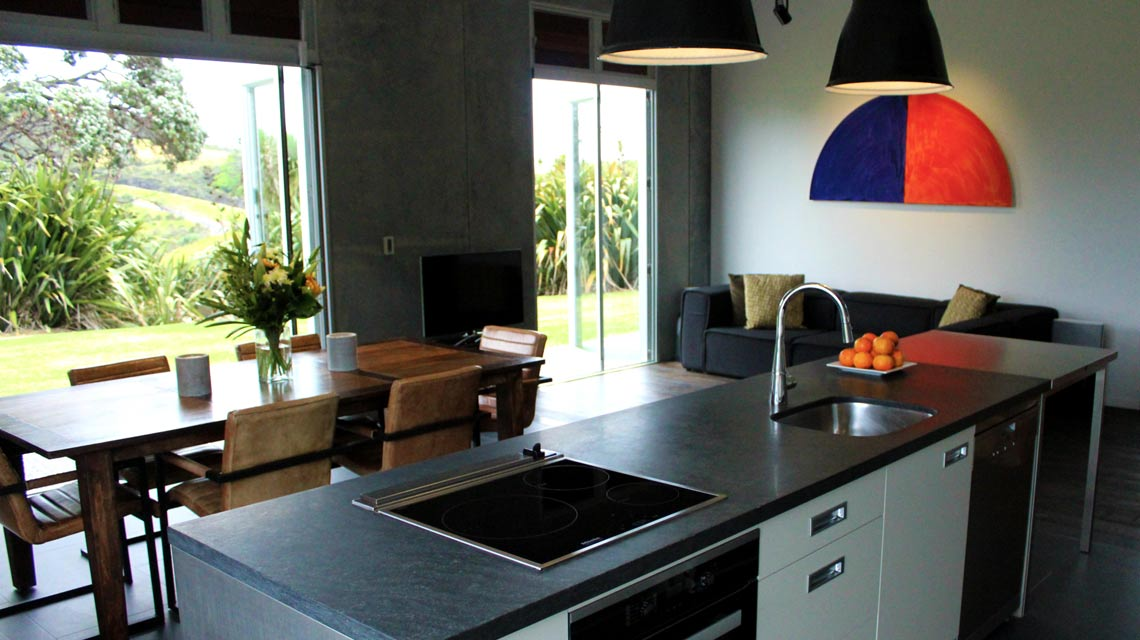 kitchen-dining-outdoor-flow-1140x640