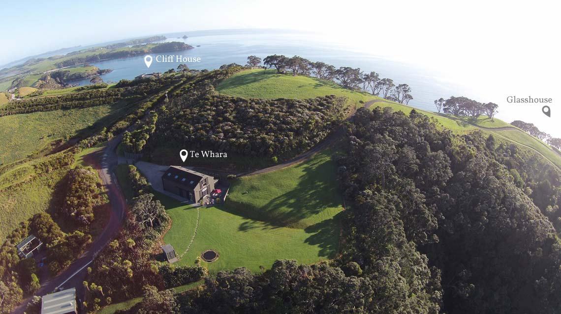 araroa-cliffhouse-te-whara-glasshouse-1140x640