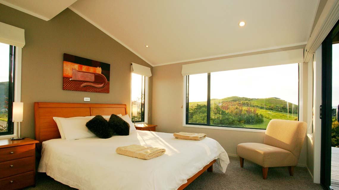 cliffhouse-bedroom-morning-1140x640