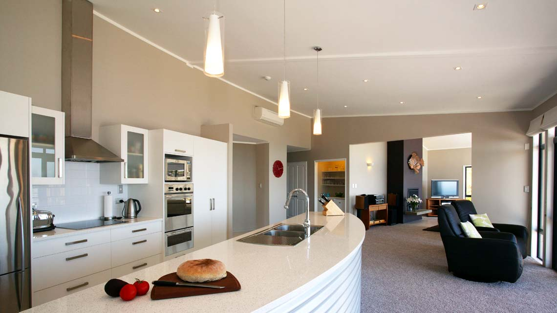 cliffhouse-kitchen-close-1140x640