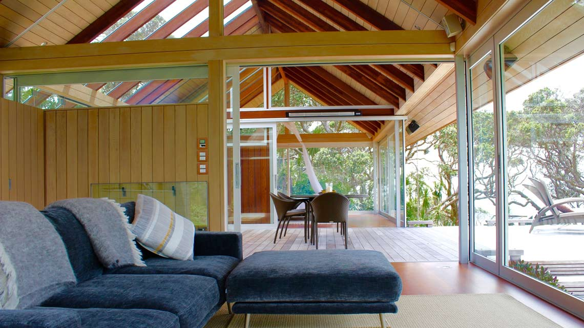 glasshouse-lounge-breezeway-1140x640