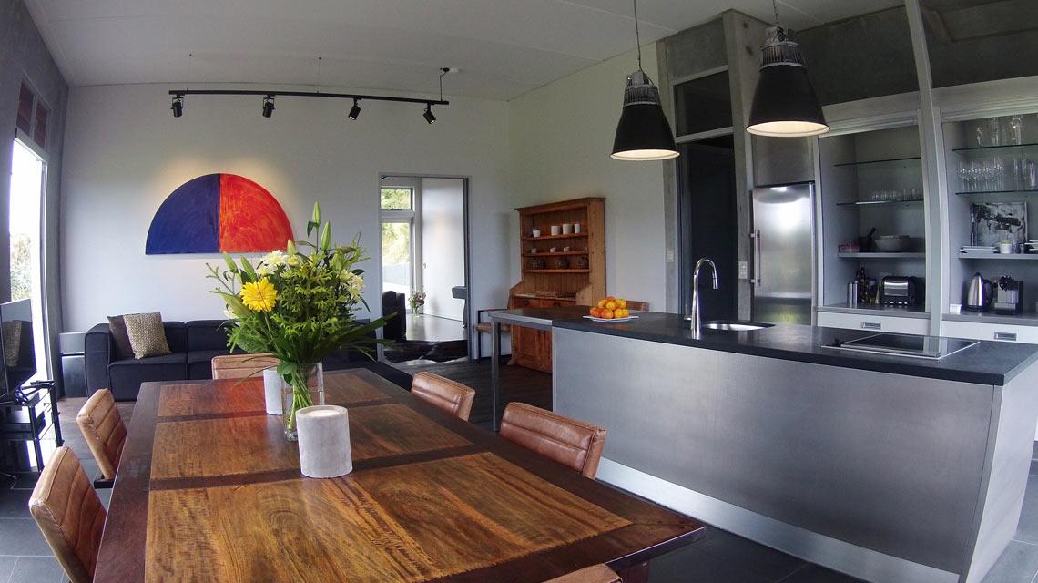 pristine-kitchen-dining-1140x640