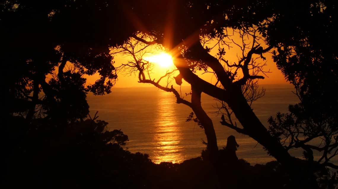 stunning-coastal-sunsets-1140x640