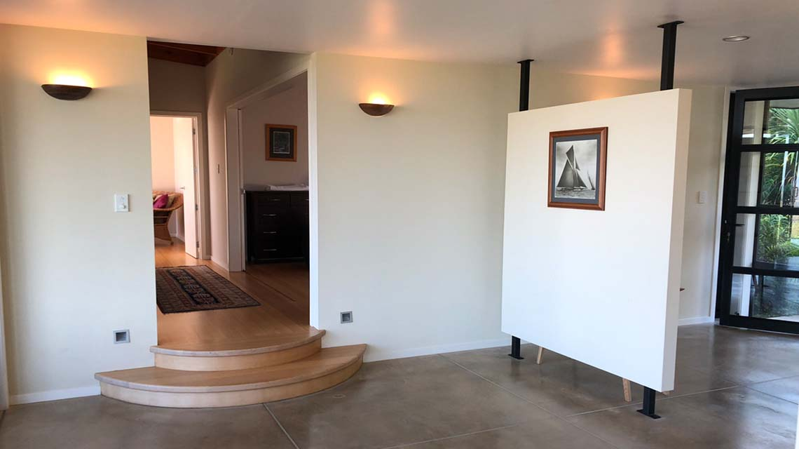 hallway-at-holiday-accommodation-in-northland-2